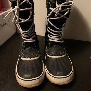 Sorrel Joan Of Arctic Knit ll boots size 10.5